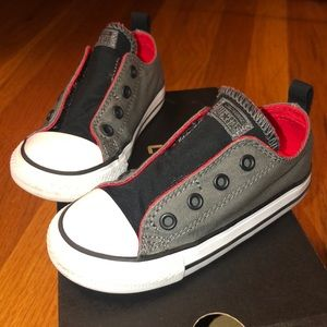 Like NEW side strap converse